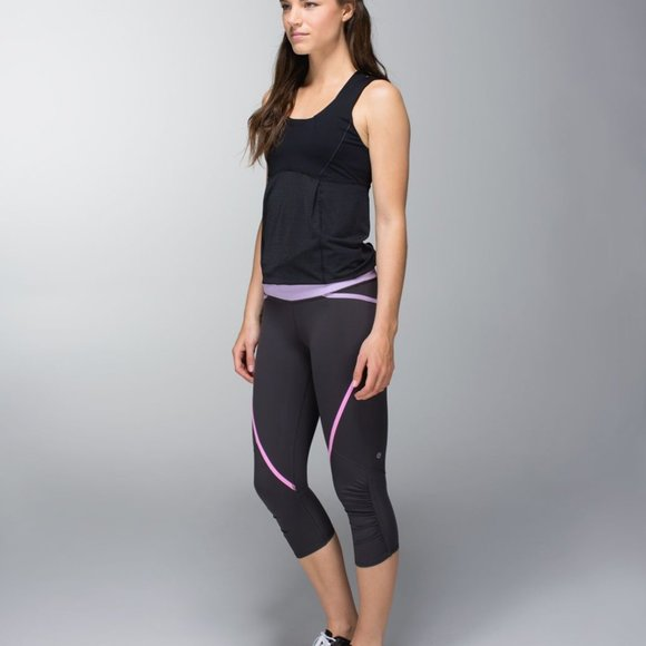 LULULEMON PACE CROPS SIZE 6 NWT Soot Pretty Purple